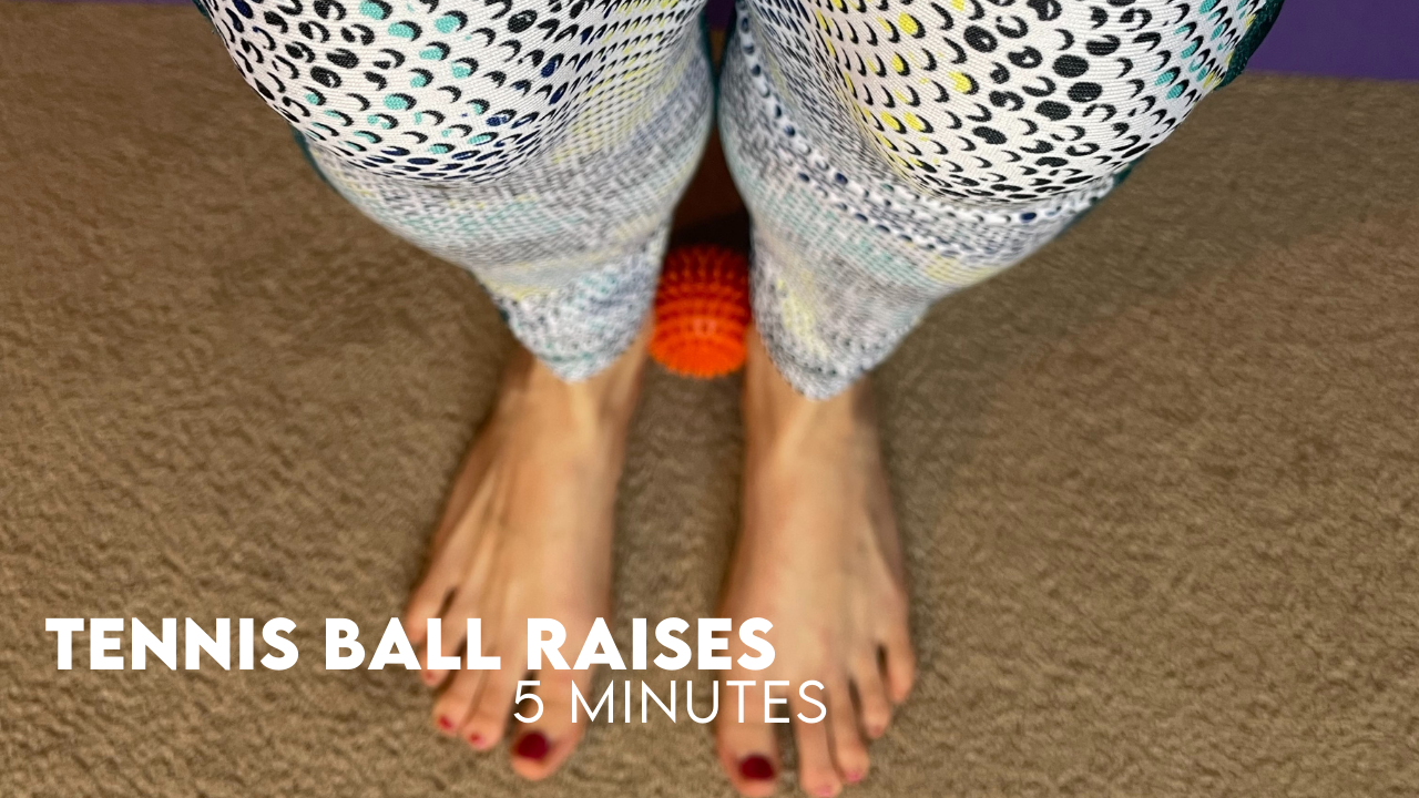 Pilates workout – Tennis Ball Raise